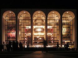 250px-metropolitan_opera_house_at_lincoln_center_2